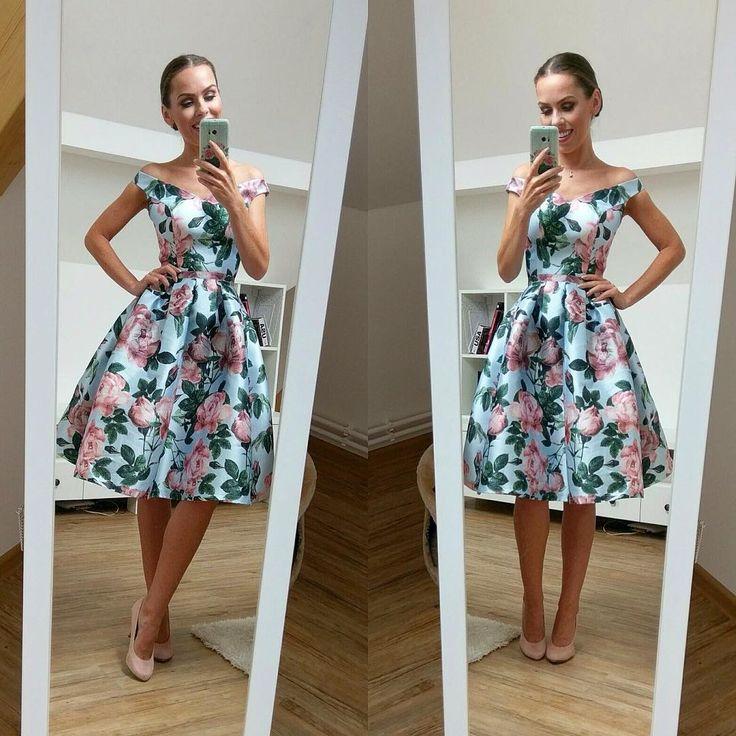 Naše drahá blogerka Peťa @petralovelyhair a naše šaty Beatricie v plné kráse! #petralovelyhair @poshmecz #poshmecz #jsemposh #dress #dnesnosim