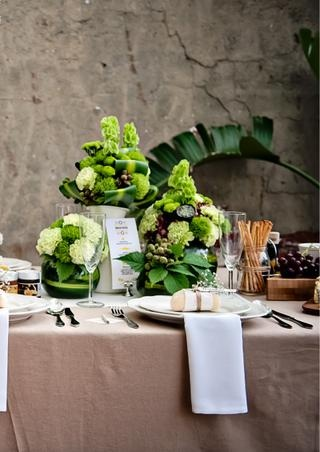 Love the vibrant green centerpieces