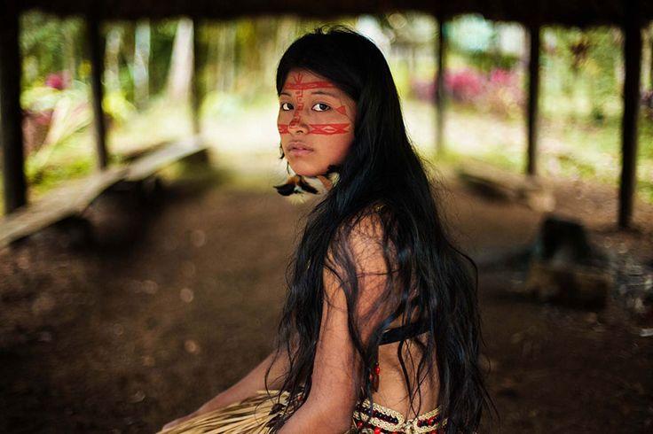 Las mujeres más bellas de cada país del mundo -  Bella mujer en El Amazonas
