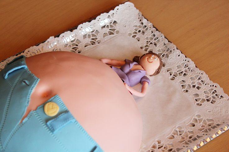Pitsiniekka | Baby Shower Belly Cake