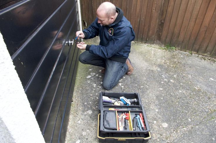 Are you searching for reliable Locksmiths in Kent, Bromley, Orpington, Sevenoaks, Tonbridge and Beckenham? Visit Your local locksmiths online at http://thelockdoctor.uk.com now!