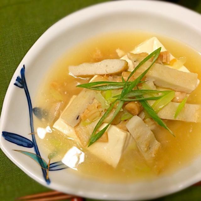 ちっちゃい干し貝柱があったことを思い出して、水煮缶の代わりに。はんぺんは、ふぐ天を代用して作りました〜 体に優しいお味に胃も温まってほっこり♡  休肝日にしようと思ってたのに〜 hisokaさん、美味し過ぎるレシピ、ありがとうございました〜 - 76件のもぐもぐ - hisoka7さんの料理 帆立の水煮と豆腐の旨煮 by norikoniwakP3