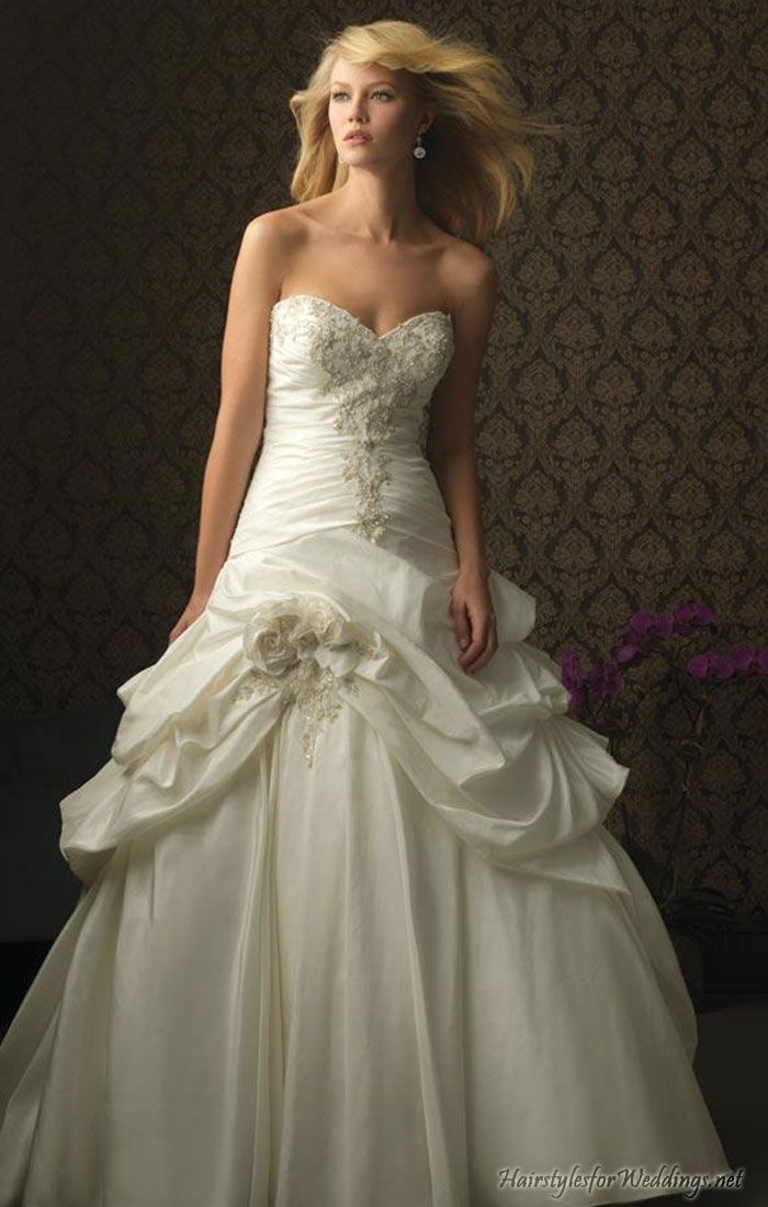Google Image Result for http://www.hairstylesforweddings.net/wp-content/uploads/2011/01/Strapless-Romantic-Wedding-Ball-Gown.jpg