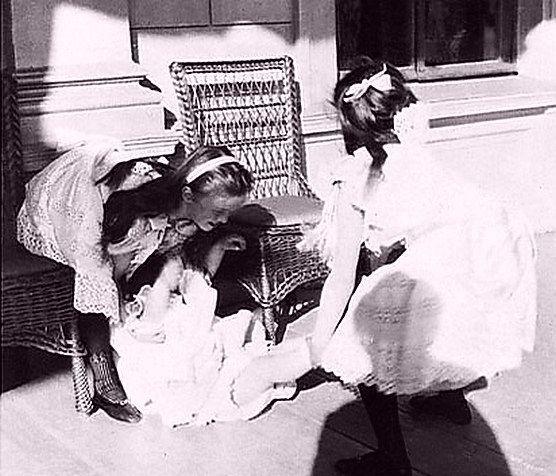 Olga Tatiana And Maria At Petersburg 1903 The Life And