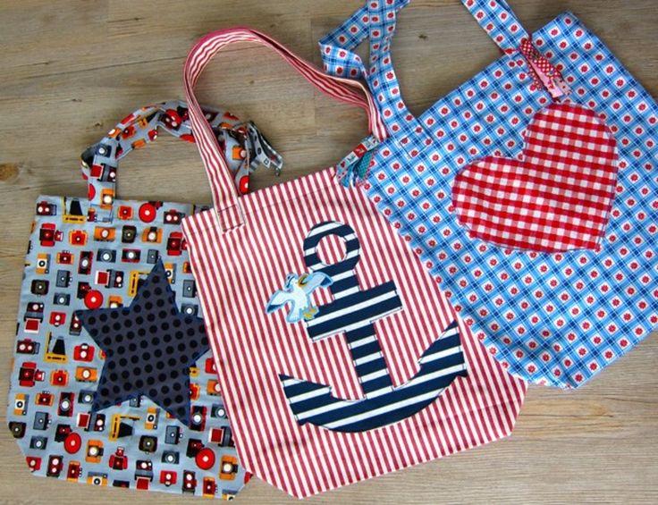 Jede Oma hatte nicht nur einen von diesen praktischen Einkaufbeuteln. Sie sind schnell in die Tasche gesteckt, haben kein Gewicht und können bei Bedarf den Einkauf nach Hause tragen. Mit diesen Beuteln lässt sich herrlich das...