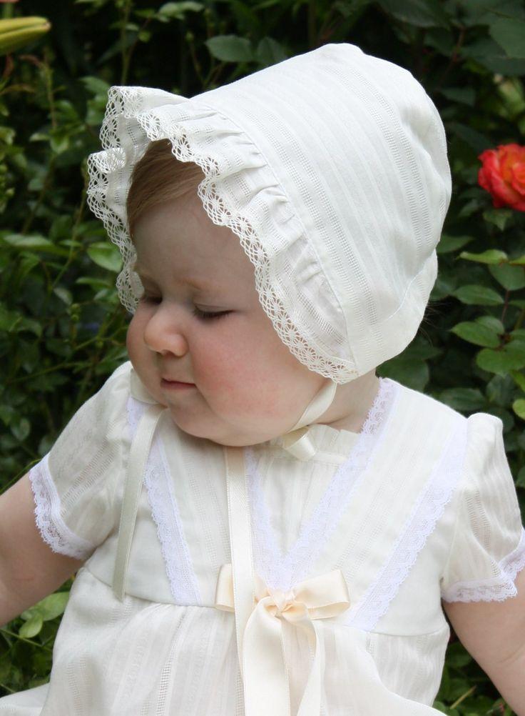 Hätta och klänning i sekelskiftes stil, Royal Memories från Grace of Sweden