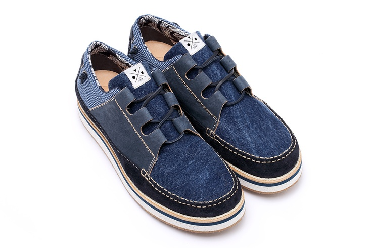 YOU FOOTWEAR - DENIM SAIL -  A sail shoe that evokes the classic boat-shoe models, Japanese indigo texture, recycled jeans, naturally tanned cowhide and suede leather (Navy Gray), Leather laces, Lining Material Bandana Printed Fabric (100% cotton), Leather insole, Midsole realized in recycled EVA, a flexible and elastic rubber, that is resistant and ultra-light, Logo insert on back panel. Fits true to size. Made in Italy