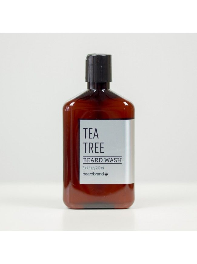 """Champú para Barba """"BeardBrand Tea Tree Beard Wash"""" formulado con ingredientes naturales para limpiar y suavizar la Barba con una fresca y dulce fragancia a Árbol del Té, que te recordará a los bombones After Eight."""