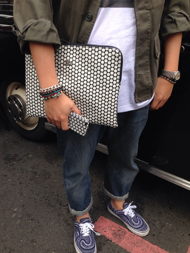 #street fashion #decke #dot clutch #london