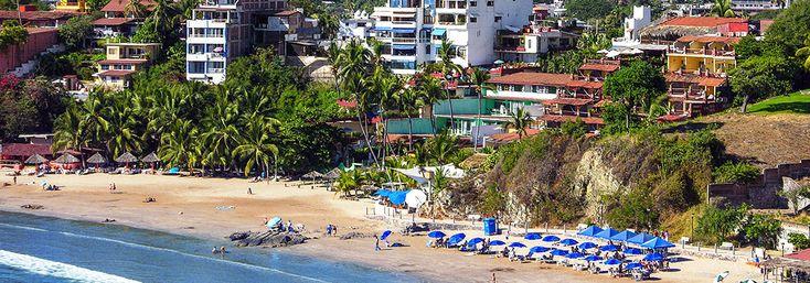 Ubicado en las costas del Pacífico mexicano, este destino playero es perfecto para quienes busquen relajarse o jugar golf.