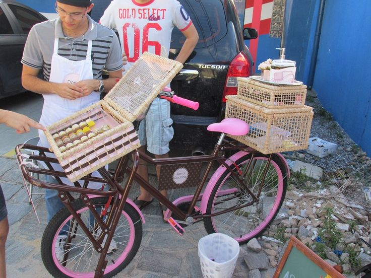 Dona Docinho - Food Bike 3                                                                                                                                                      Mais