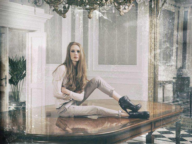 La donna #40weft, con un completo used style, trendy e #fashion. #woman