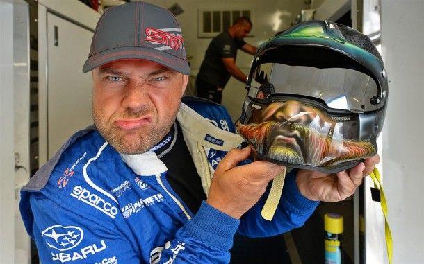 Sverre raser mot Piquet og Andreas Bakkerud etter vill kjøring...