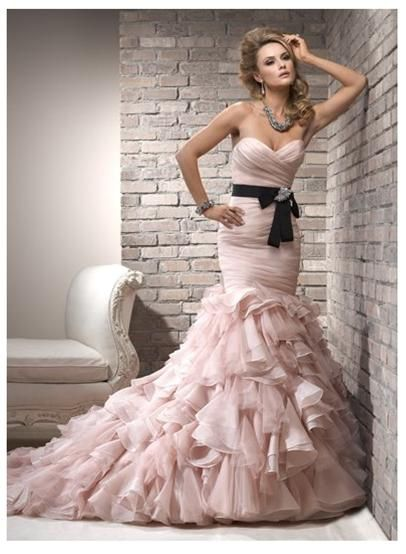 {The Classy Woman} Fashion Friday: Wedding Dress Trends for 2013
