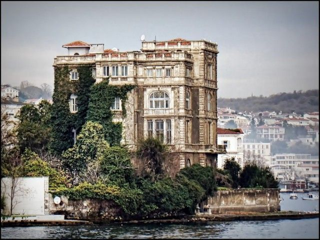 The Most Expensive Mansion of the World : Zeki Paşa Mansion - Istanbul Bosphorus