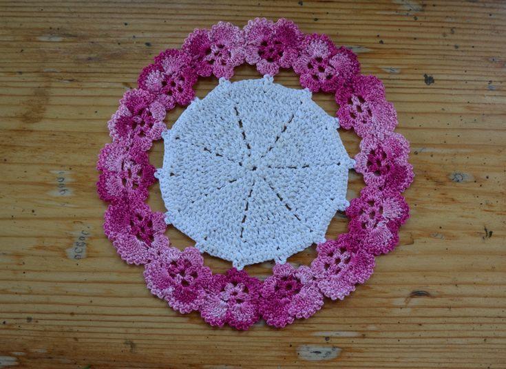 Crocheted serviette