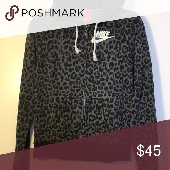 Nike leopard print zip up hoodie Comfortable fit! Nike Sweaters
