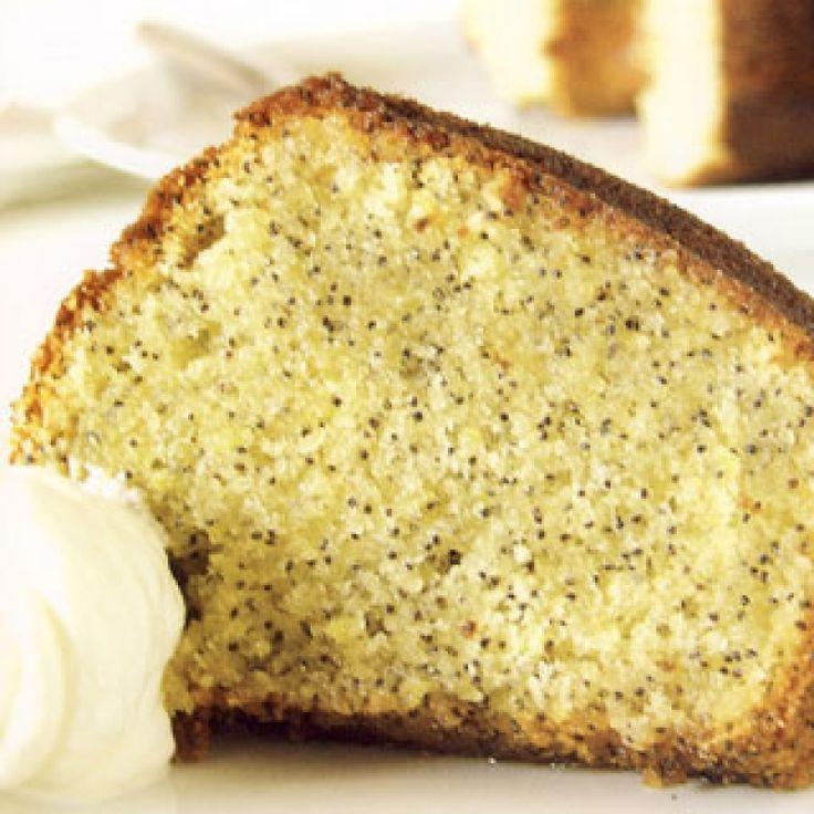 Ένα ιδιαίτερα πεντανόστιμο κέικ με παπαρουνόσπορο πουλιώνει στο στόμα!