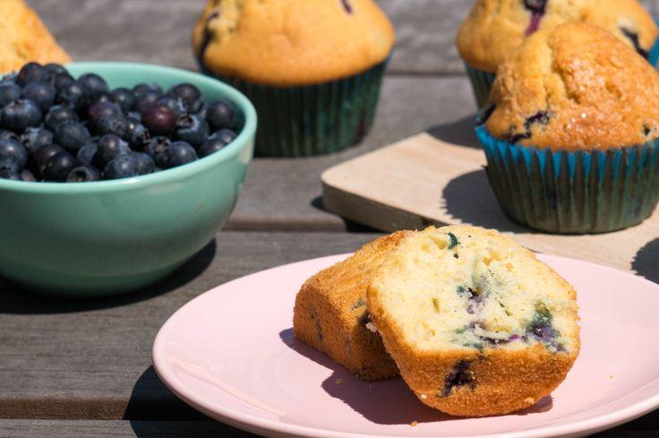 Zondag bakdag en deze zondag maakten wij blueberry muffins. Lekker voor bij het ontbijt en leuk om samen met de kinderen te bakken.