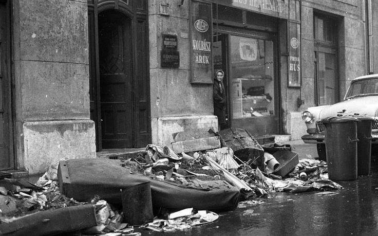 1975 - Sobieski János utca 28., lomtalanítás.