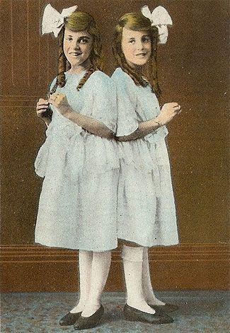 Daisy & Violet Hilton