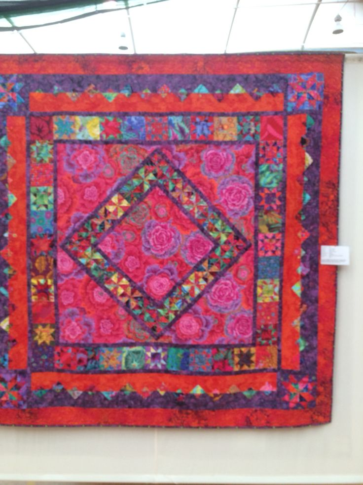 """""""Like a Gypsy"""" by Gea Van Holst Quilted by Sally Smith. Loved the Colours!"""