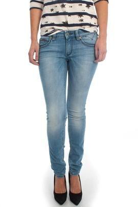 Pantalón Vaquero Tommy Hilfiger Denim Sophie. Simple, un patalón vaquero con personalidad. #moda #ropa #fashion #style #tendencias #mujer #pantalón #modamujer