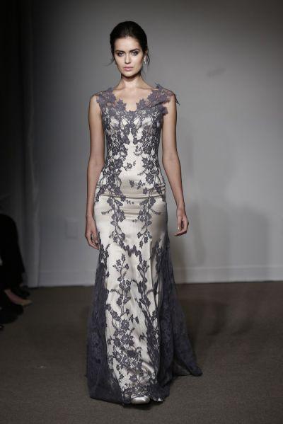 Colectia de primavara 2015 de la Anna Maier cuprinde o multime de rochii de mireasa sexy, fara bretele, incepand cu modele plisate din tulle si rochii ball gown dantela pana