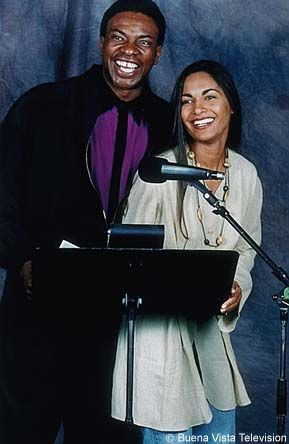 Keith David & Salli Richardson together sharing a microphone to do the voices of Goliath & Elisa  from Gargoyles.