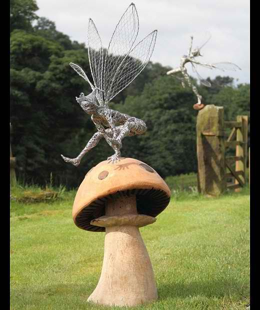 Robin Wight is the artist behind FantasyWire. FantasyWire is an England-based studio that specializes in creating custom-made wire fairies. Their sculptures are