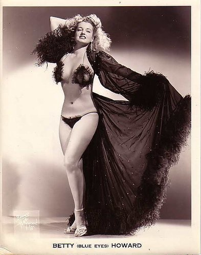 Betty 'Blue Eyes' Howard: Vintage Burlesque, Howard Burlesque, Funny Pictures, Blue Eye, Erotic Photography, Burlesque Burlesque, Photography Ideas, Betty Blue, Betty Howard