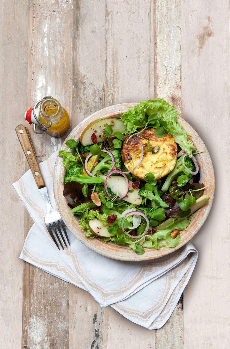 Maaltijdsalade met broccoli, gebakken ricotta en noten - Libelle Lekker