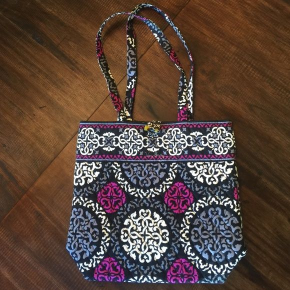 Vera Bradley tote bag Vera Bradley tote bag. New, never used. Clean interior. Vera Bradley Bags Totes