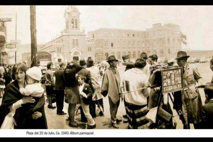 Santafé de Bogotá - Plaza del 20 Julio en 1940.