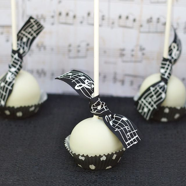 Cake pops - black and white music themed