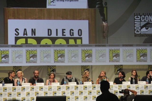 Cast of Game pf Thrones at Comic Comic. I love them so much.