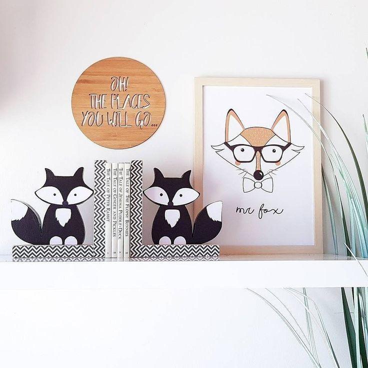 Black fox bookends