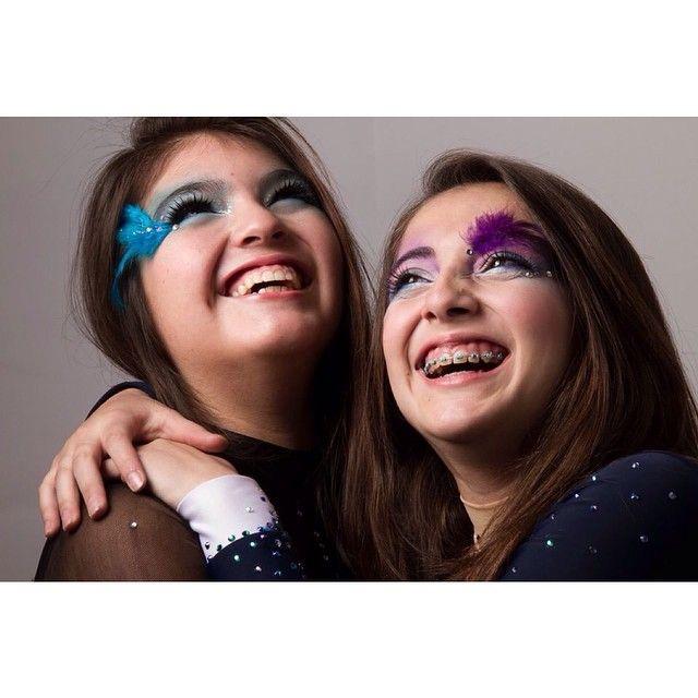 semana En conjunto con #PajaritaMakeUp desarrollamos un taller que preparó a Antonia y Cony para maquillarse para fotografía y sus presentaciones de gimnasia rítmica Tutoría maquillaje: Katherine Melgarejo Fotos: Marcia Cifuentes #comunidadfotografía
