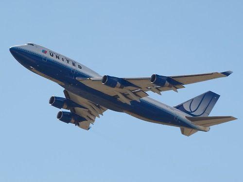United 747-400 leaving Sydney  Type: Boeing 747-422  Registration: N182UA  Location: Kingsford Smith International  Date: 27/11/2011
