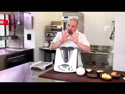 cook along as Thermomix ambassador George Calombaris makes classic Greek custard and phyllo dessert. Yummo!