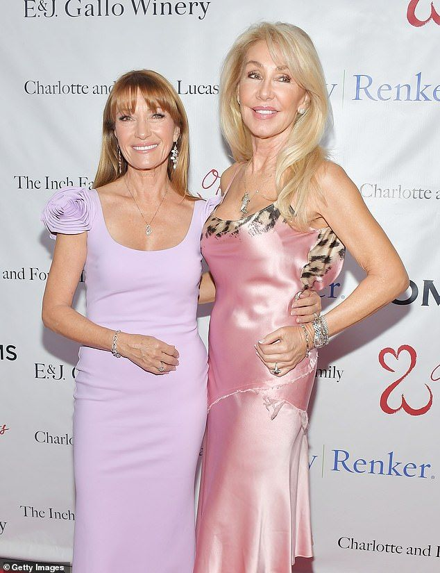 Pals Later That Evening Jane Posed With Hee Haw Star Linda Thompson Linda Thompson Jane Seymour Gala