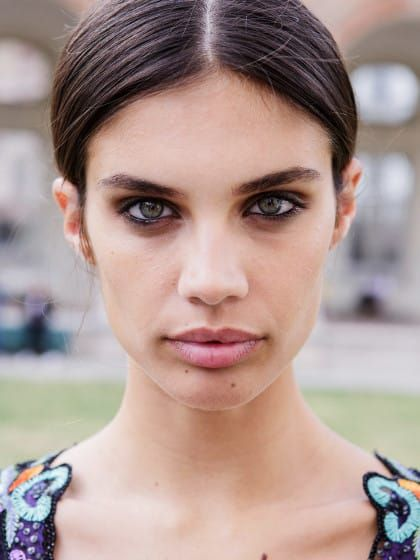 Die besten Lippenprimer:So hält der Lippenstift noch länger ✓ Die wichtigsten Inhaltsstoffe ✓So verwendest du ihn✓Markencheck✓ – Alle Infos finden »