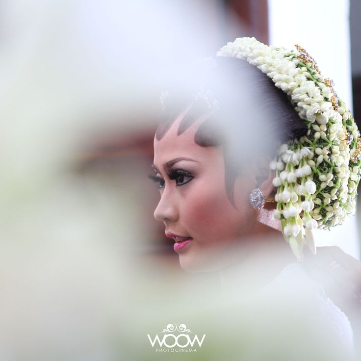 The Bride,  Indonesian Traditional Wedding, Beauty in Candid