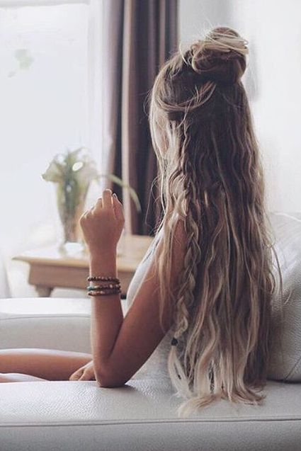Easy Effortless Boho half updo created by @alexcentomo with her Ash Blonde Luxy Hair Extensions!   Photo by: https://instagram.com/p/8_JA7Nj3Wx/?taken-by=alexcentomo  #LuxyHairExtensions