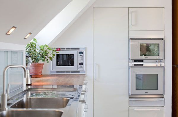 12 Enthralling Attic Bedroom Too Hot Ideas In 2020 Attic Renovation Attic Apartment Attic Staircase