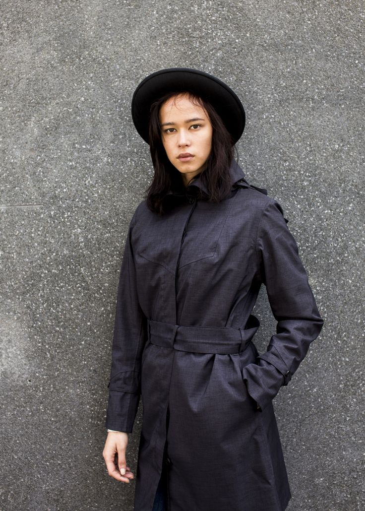 The Soho Femme in navy is a coat that keeps you stylish even in the worst kind of weather.