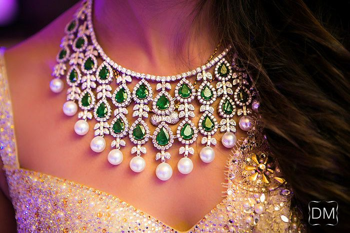 Emerald and pearl necklace.