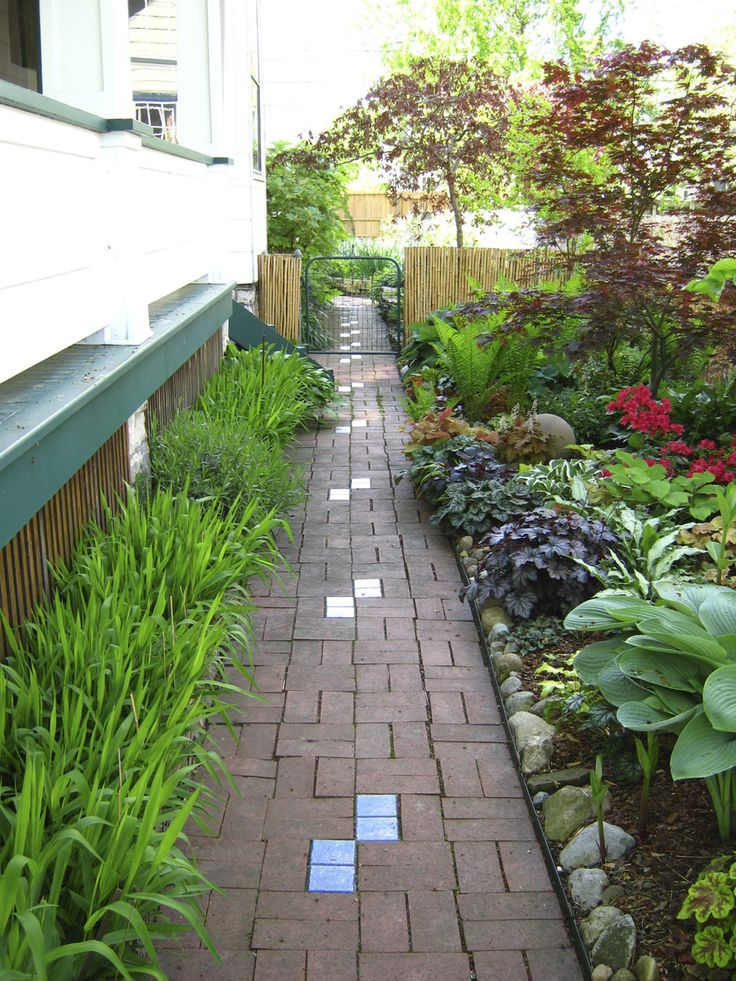 17 best images about narrow side yards on pinterest for Garden designs for side of house