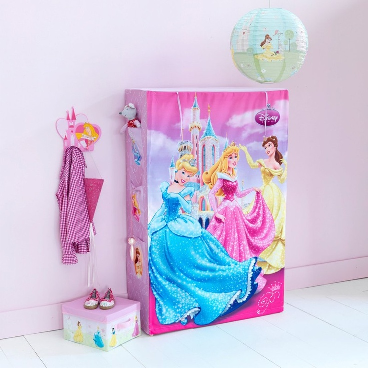 Penderie princesse disney for Chambre princesse