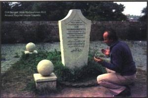 Erol Güngör : Sıradışı bir akademisyen - http://www.turkyorum.com/erol-gungor-siradisi-bir-akademisyen/